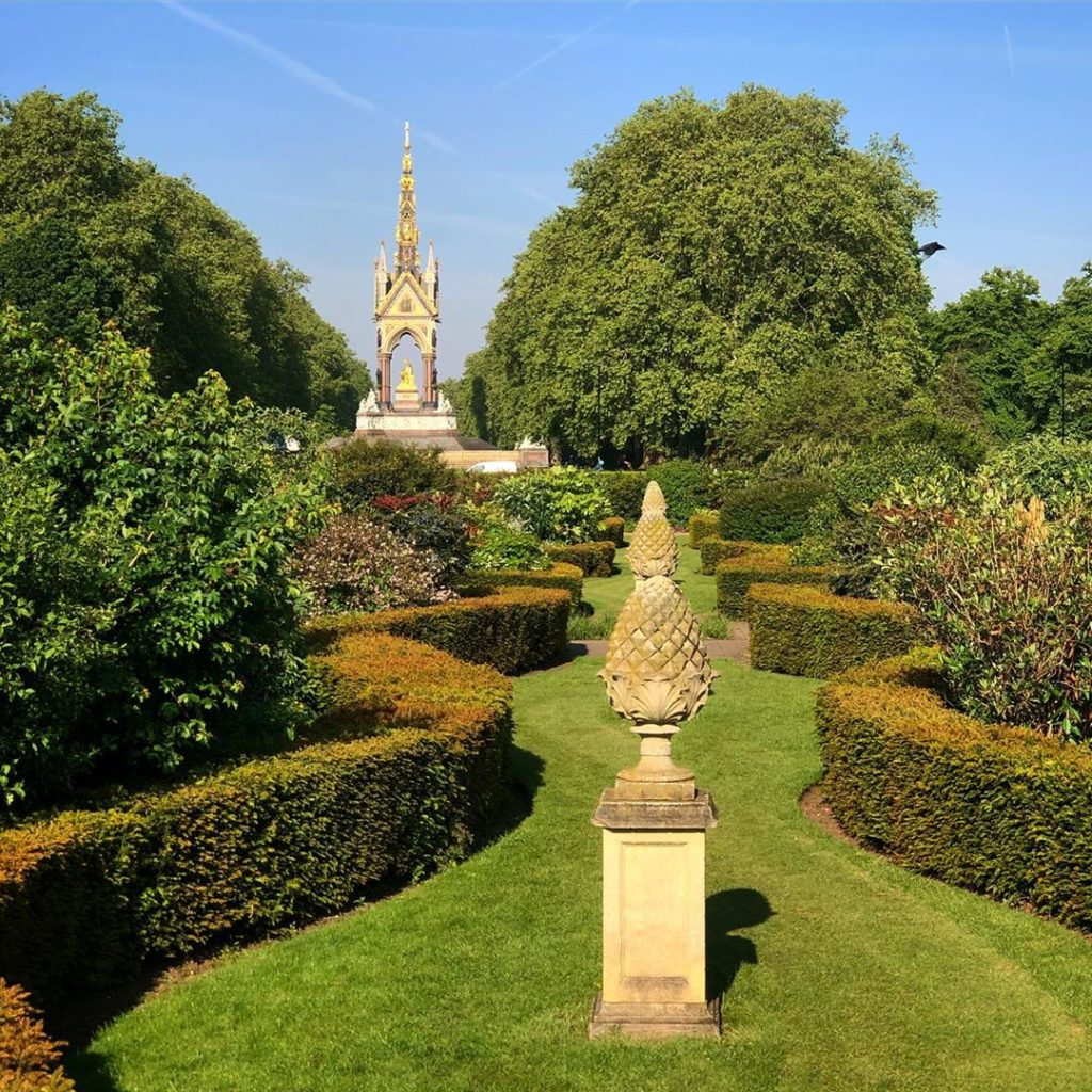 Secret garden spaces of London part 1. Somewhere in Hyde Park not far from the A...