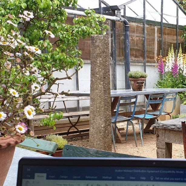 How much work do YOU get done when @petershamnurseries is your office for the da...