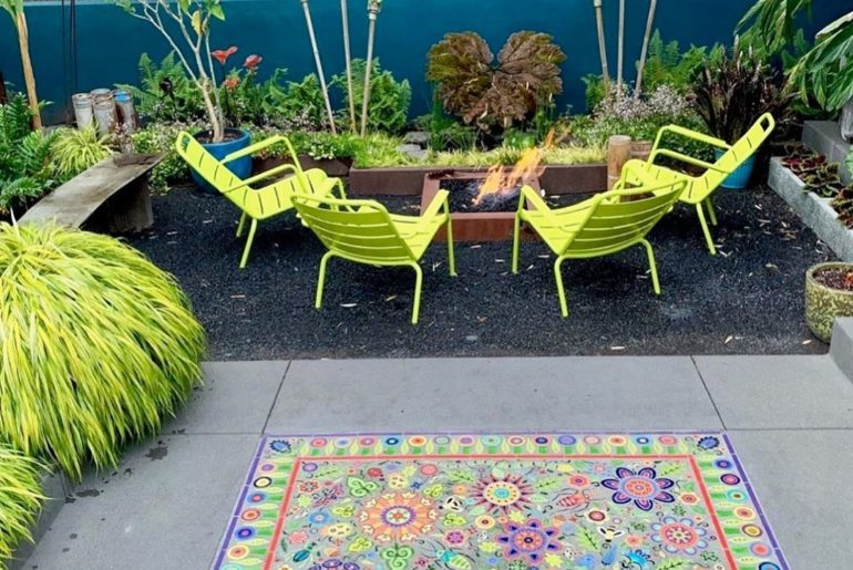 Grab a drink and pull up a chair...thanks @digsportland for sharing your outdoor...