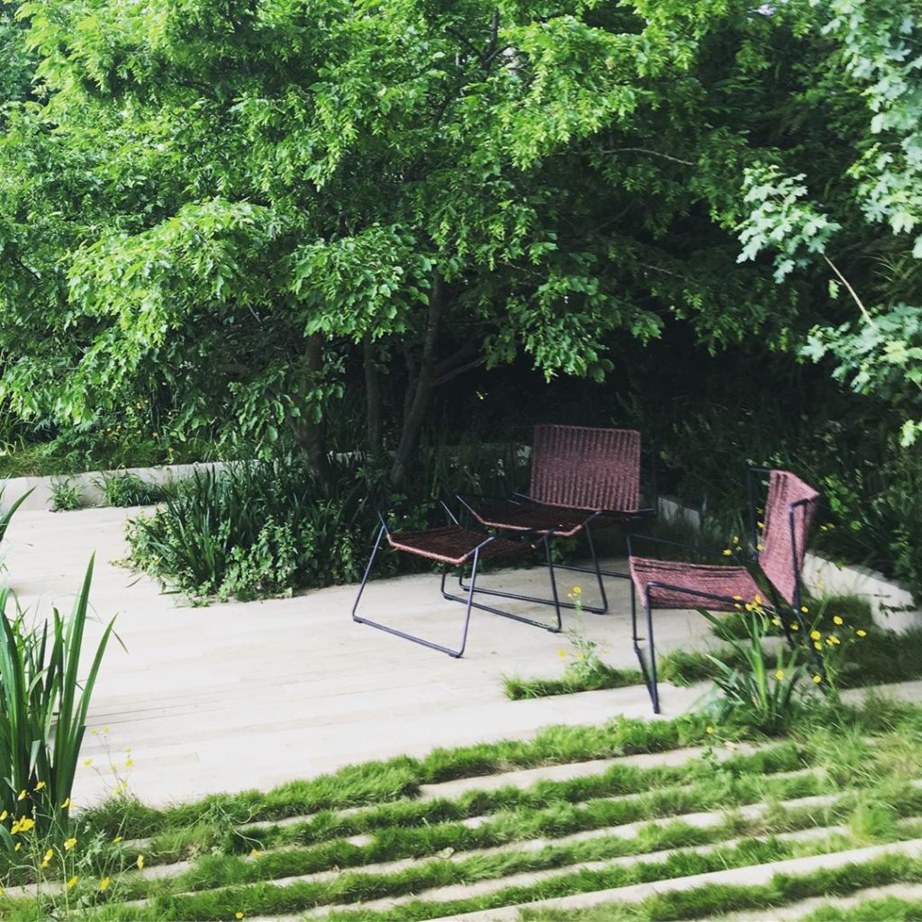 Beautiful garden @rhs_chelseaflowershow by @andrewduffgardendesign and built by ...