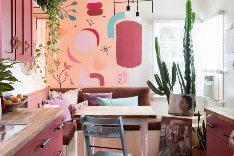 @mila_jestcafe knows how to make a BIG impact in a small space!  We are digging ...