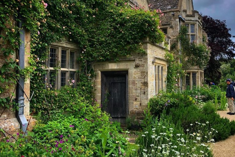 What a beautiful house and garden. I've been wanting to visit @asthallmanor for ...