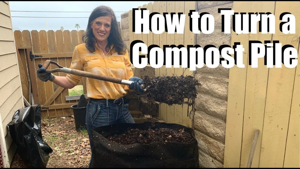 How to Turn a Hot Compost Pile  / How to Compost #3