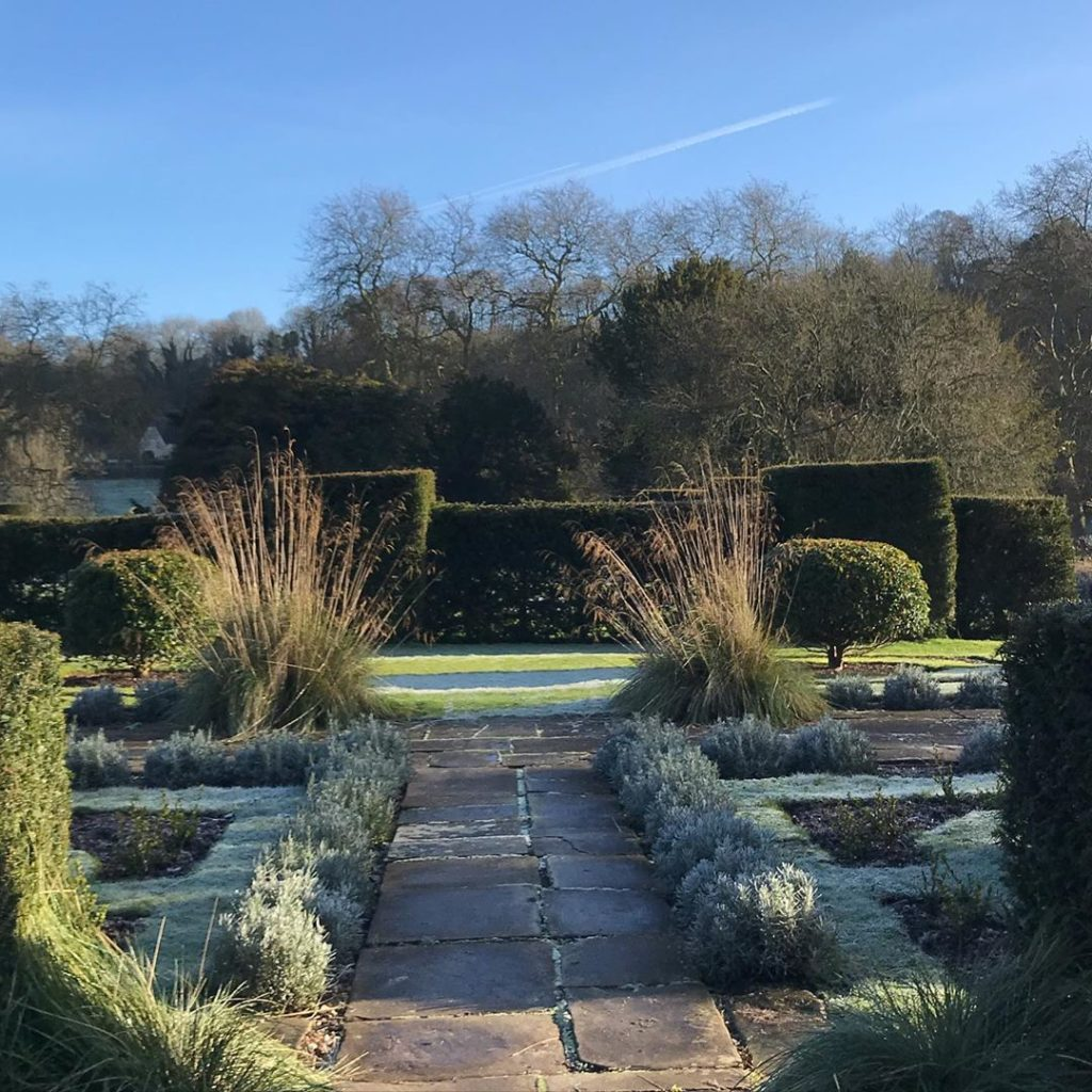 Cold #frosty morning @healegardens #winter #sunshine at last #wiltshirelife...