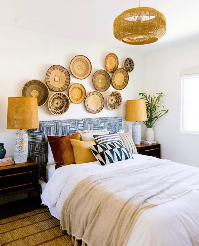 Loving @dabito's use of natural materials in his guest room. These beautiful Ton...