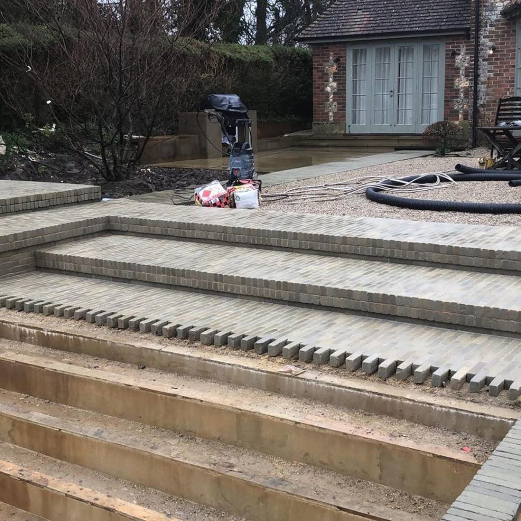 Very much #workinprogress at our new #garden in #Hampshire with the #swimmingpoo...