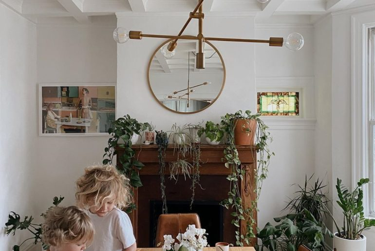 The best breakfast spot around (featuring a perfect Orchid centerpiece).  Photo ...